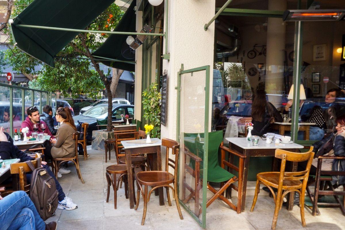 Για καφέ στα χαλαρά στο Τρίγωνο
