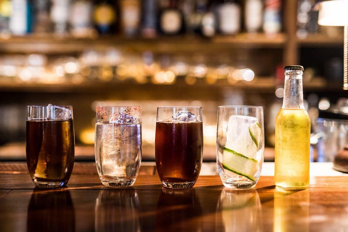 Ψυχανάλυση με cocktails στο Theory