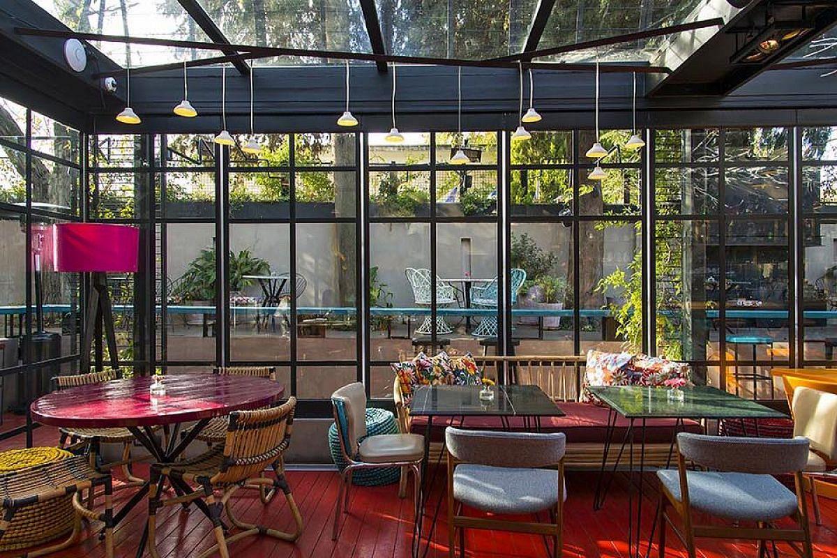 Artisanal Lounge & Gardens